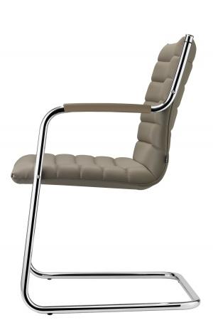 Bezoekersstoel Vega met armleggers in chroom. Strak afgewerkt met nieuwste stiksel patronen in 3 varianten. (1)